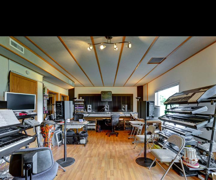 02-SG-Studio